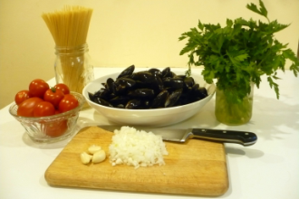 linguine-mussels-ingrediants-thumb
